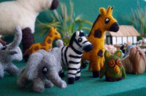 giraf, zebra og elefant
